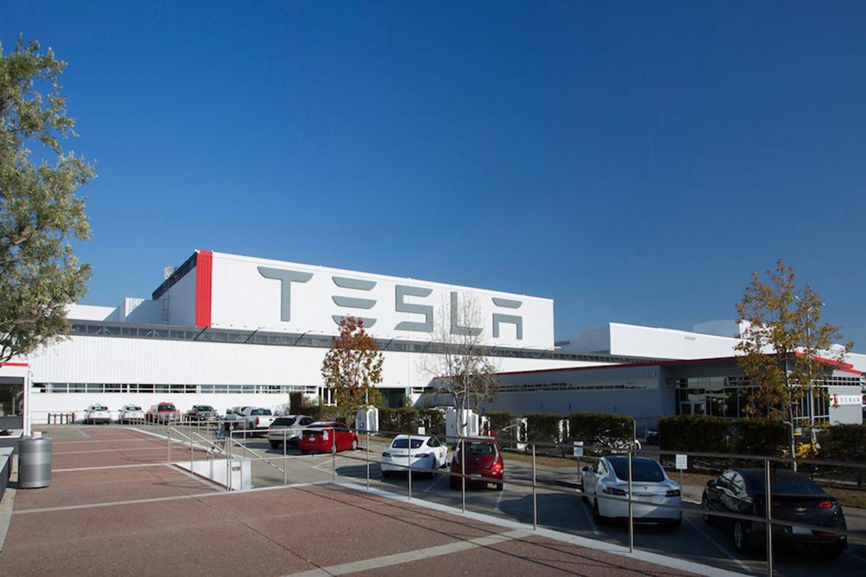 Bos Tesla, Elon Musk Ingin Baterai Mobil Listrik Tesla Diproduksi di Indonesia?