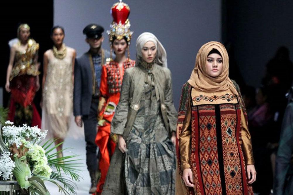 Harumkan Nama Indonesia, Inilah 5 Designer Lokal yang Karyanya Tembus Pasar Internasional