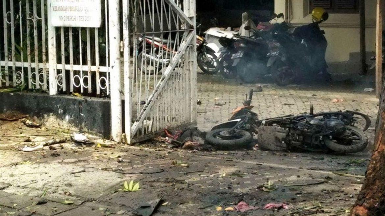 Kronologi Ledakan Diduga Bom Bunuh Diri di Depan Gereja Katedral Makassar, Pelaku Naik Motor